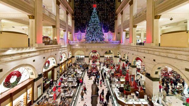 GTY_christmas_shopping_tk_131225_16x9_992.jpg